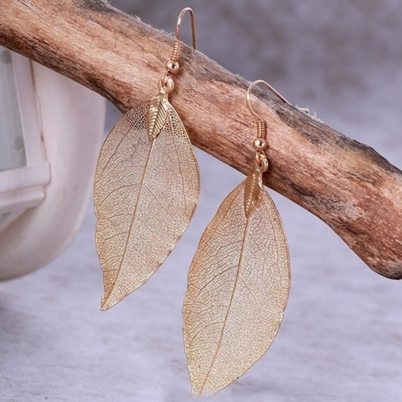Jewelry - 🆕️Natural Gold Leaf Drop Statement Earrings🆕️